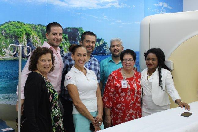 también fue visitado el centro de tomografía en santa cruz huatulco por médicos americanos y mexicanos581343092395118401..jpg